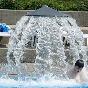 Wasserfall Schwimmbad